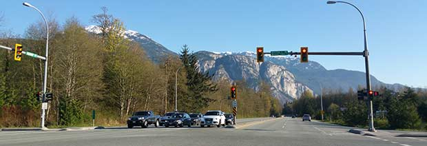 Vägkorsning vid Squamish i Kanada